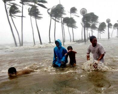 Жертвами филиппинского тайфуна стали более 20 человек