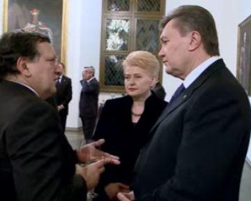 На торжественном ужине в Вильнюсе Янукович встретился с Меркель и Баррозу (видео)