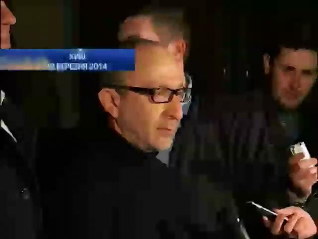 Кернес продолжает выполнять обязанности мэра, находясь под следствием (видео)