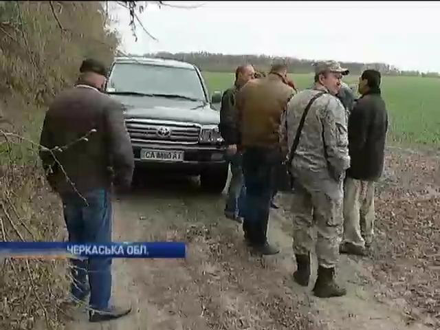 Жители села на Черкасчине страдают из-за химикатов, которые использует фермер (видео)