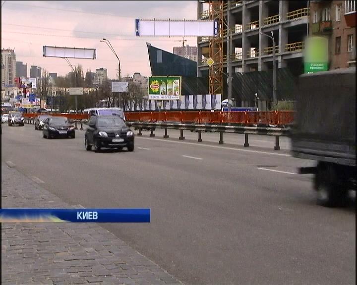 АМКУ считает цены на бензин завышенными (видео)