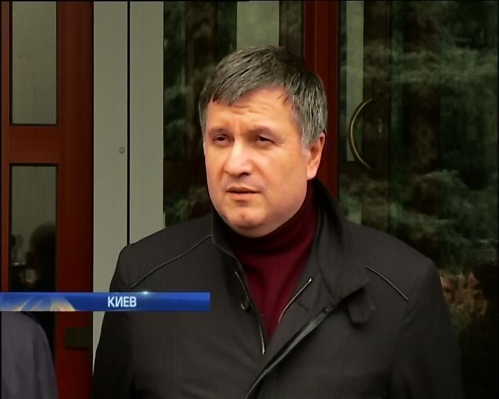 Глава МВД раскритиковал харьковских милиционеров (видео)