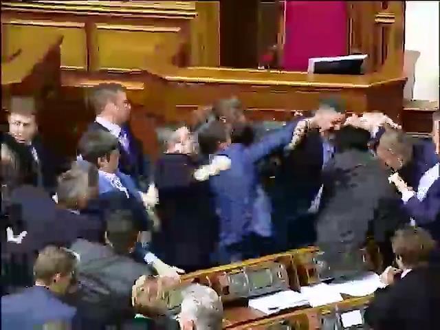 Рада усилила наказание за сепаратизм и утвердила люстрацию судей (видео)