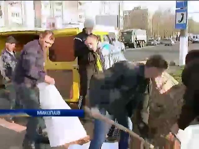 В Николаеве из-за боязни сепаратизма устанавливают блокпосты на въездах в город (видео)