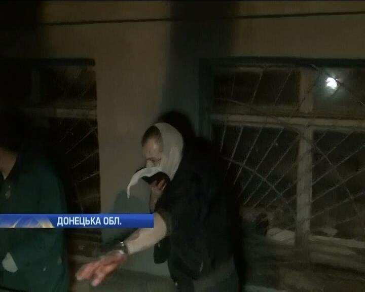 Участники боев в Мариуполе говорят, что зажигательные смеси бросали не они (видео)
