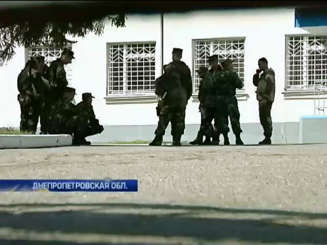 От Турчинова требуют извинений за оскорбление бойцов, сдавших оружие в Славянске (видео)