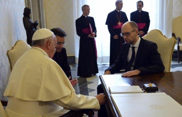 Арсений Яценюк в Ватикане встретился с Папой Римским Франциском