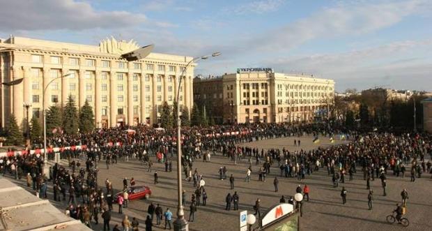 Милиция задержала 13 агрессивно настроенных сепаратистов в Харькове за массовые беспорядки