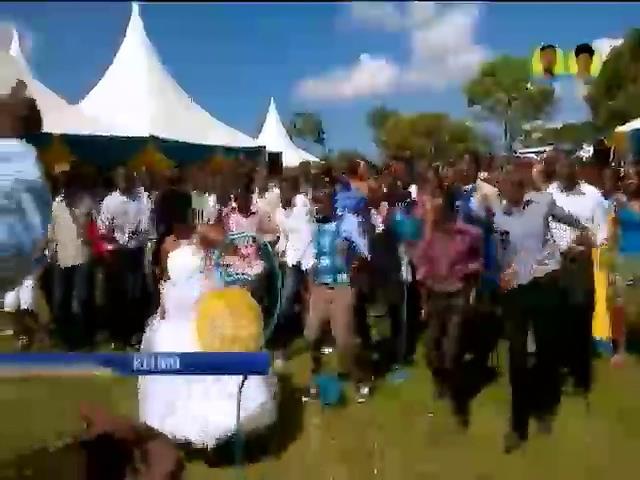 Мир в кадре: в Кении разрешили многоженство, а барабанщика Scorpions арестовали (видео)
