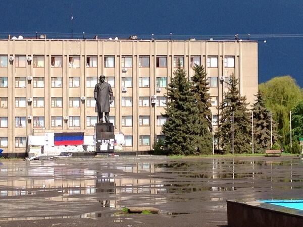 МВД о спецоперации в Славянске: 4 человека погибли, 30 - ранены (фото, видео)