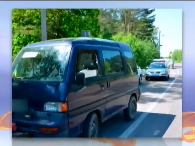 На Житомирщине задержали пьяного водителя с авиабомбами в багажнике (видео)