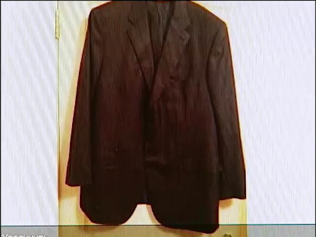 Эксклюзивный пиджак Януковича выставили с аукциона за 3 тыс. грн (видео) (видео)