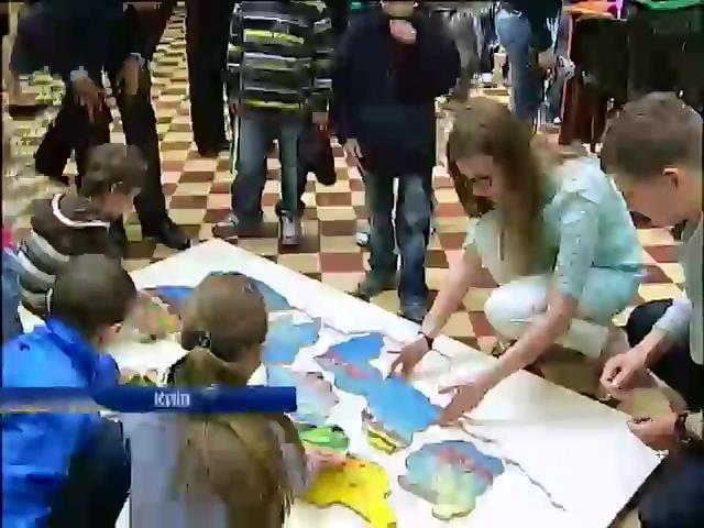 """Юные пациенты """"Охматдита"""" призвали Украину к единству (видео) (видео)"""