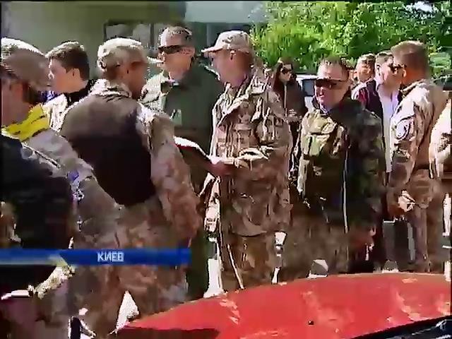 Парубий решил расформировать самооборону Майдана до середины мая (видео)
