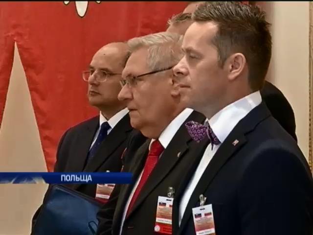 Украина должна сама себе помочь, - президент Словакии (видео)