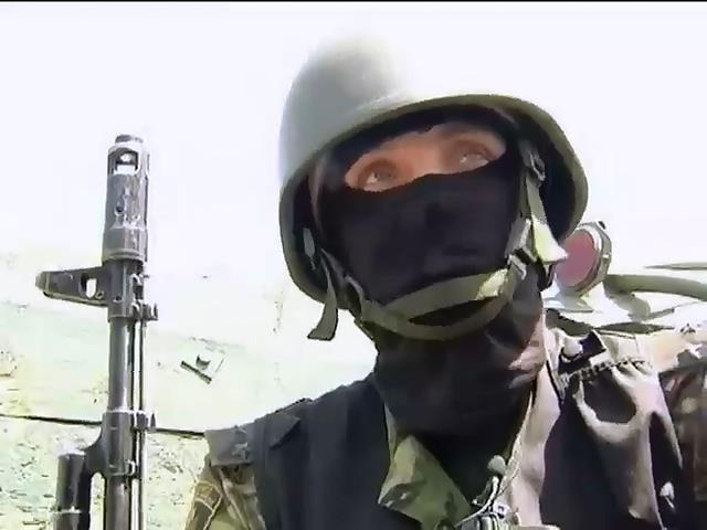 Украинские военные героически держат оборону в Славянске (видео)