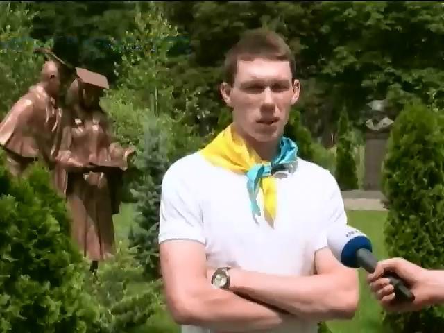 Ялтинский лицей, где выпускники спели гимн Украины, попал под прессинг крымских властей (видео) (видео)