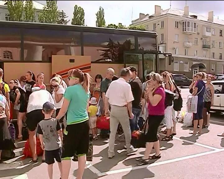 Терористи вивезли 15 дiтей-сирiт до Росii (видео)