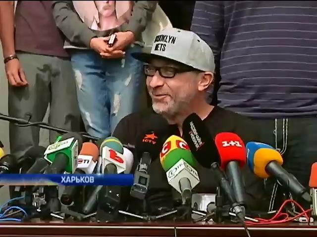 Кернес вернулся в Харьков под присмотром охраны и врачей (видео) (видео)