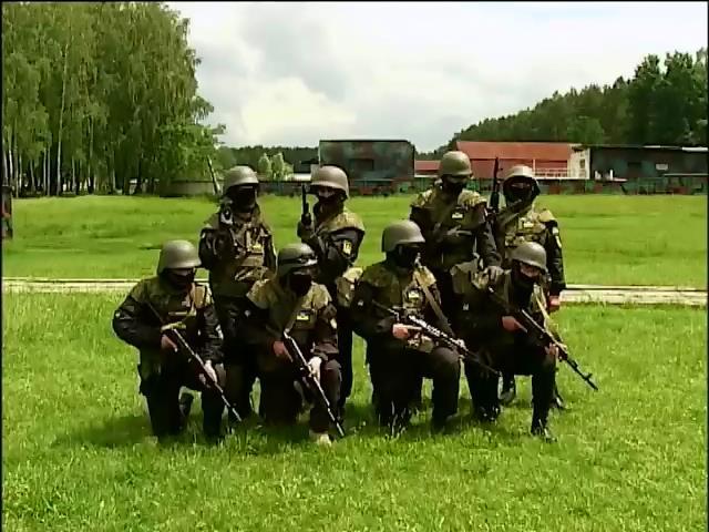 """Готовый воевать батальон """"Донбасс"""" не пускают в бой в угоду Путину (видео) (видео)"""