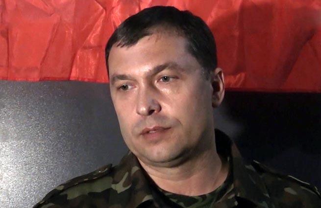 Терорист Болотов палить документи i готуeться тiкати з Луганська (видео)