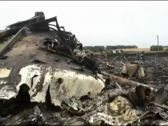 Генсек ООН закликав Порошенка провести належну експертизу на мiсцi падiння Боiнга-777 (видео)