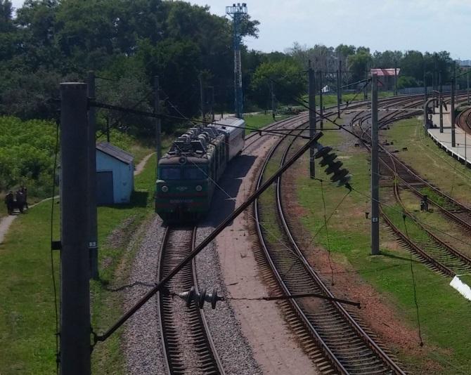 Донецкая железная дорога отменила поезда из Луганска