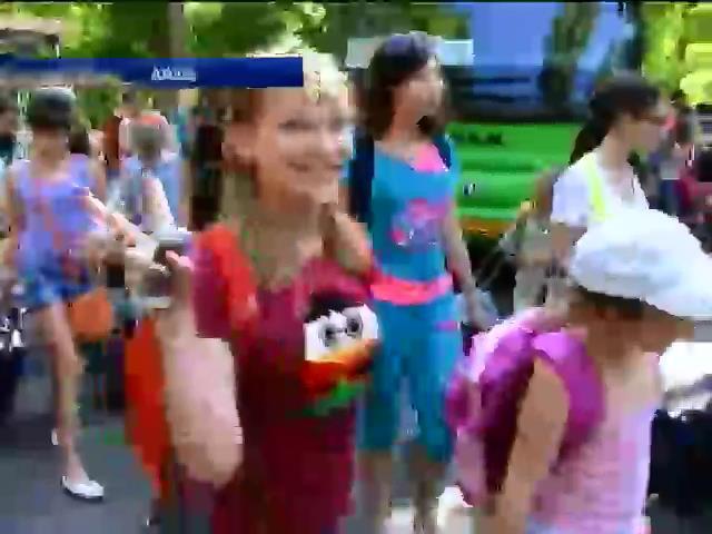 Терористи викрали 60 сирiт з iнтернату Луганська (вiдео) (видео)