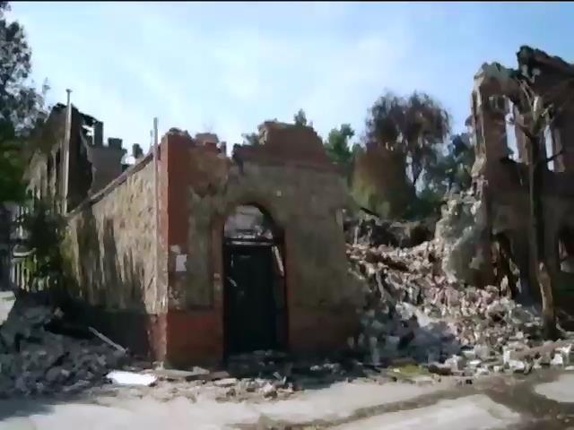 Терористи перешкоджають роботi гуманiтарного коридору у Луганську (видео)