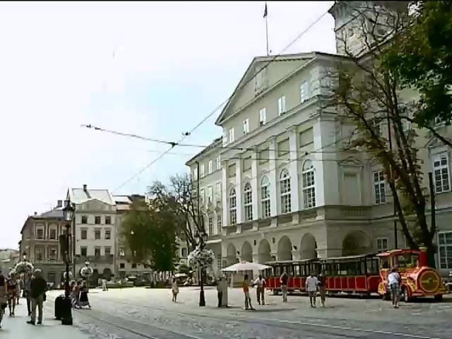 Сiм'i вiйськових у Львовi вiдтепер не платитимуть за квартиру (видео)