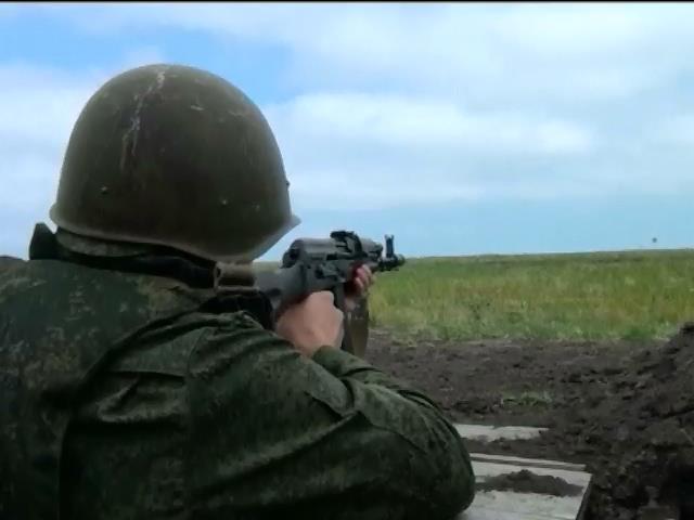 На кордонi з Украiною перебуваe понад 30 тисяч росiйських вiйськових (видео)