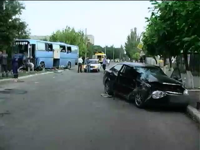 На Миколаiвщинi в ДТП потрапив мiжнародний автобус: 1 загиблий, 6 госпiталiзовано (вiдео) (видео)