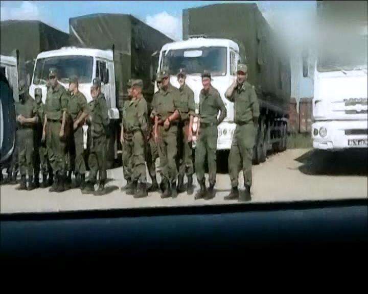 Гуманiтарний вантаж Москви супроводжують вiйськовi (вiдео) (видео)