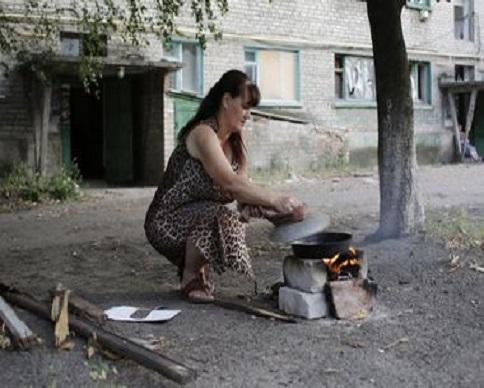 В Луганской области спекулянты наживаются на остатках лекарств и продуктов