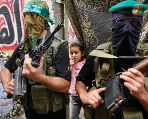 Секторе Газа казнили несколько человек, обвинив их в сотрудничестве с Израилем (видео)