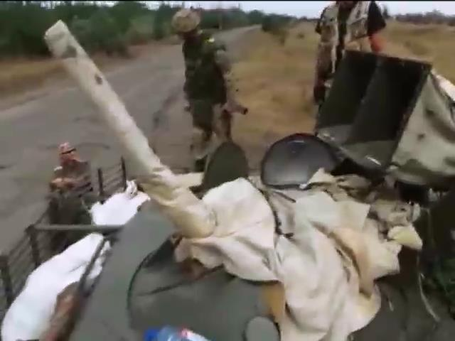 За добу украiнська армiя нанесла 60 артилерiйських ударiв по терористам (видео)