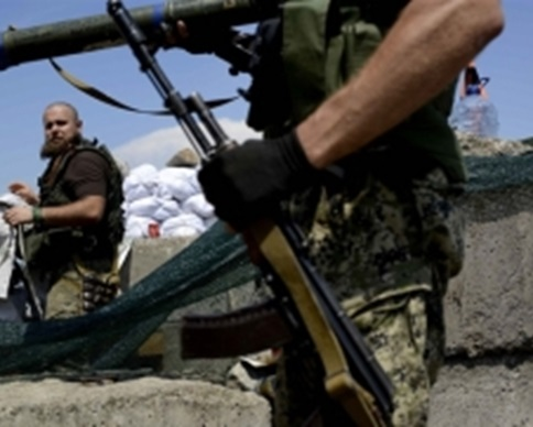 Террористы ДНР обстреляли Старобешево, Новый Свет и Комсомольское: десятки погибших