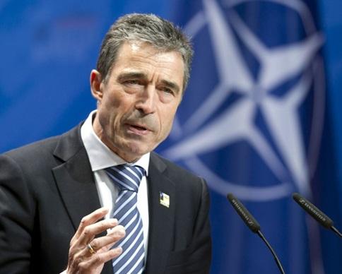 НАТО приостанавливает сотрудничество с Россией и усиливает его с Украиной