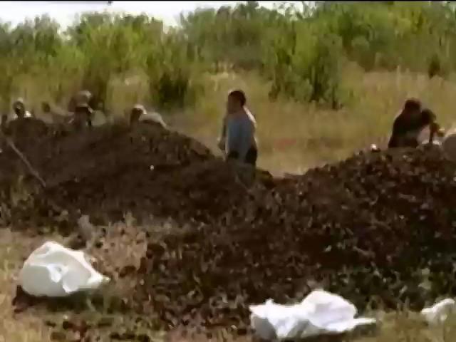 Мешканцi Запорiжжя будують обороннi споруди навколо мiста (видео)