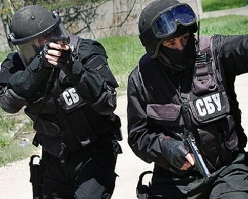 СБУ затримали диверсантiв, якi планували теракти у Марiуполi (видео)