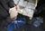 В Луганске террористы раздают украинскую гуманитарку под видом помощи из России