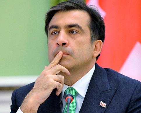 Суд Тбилиси арестовал недвижимость и авто семьи Саакашвили