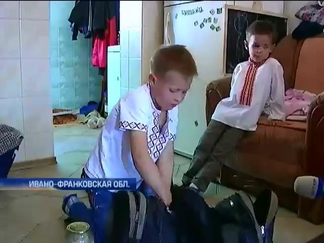 """Детский батальон """"Сокол"""" испугал Россию играми в войну (видео) (видео)"""
