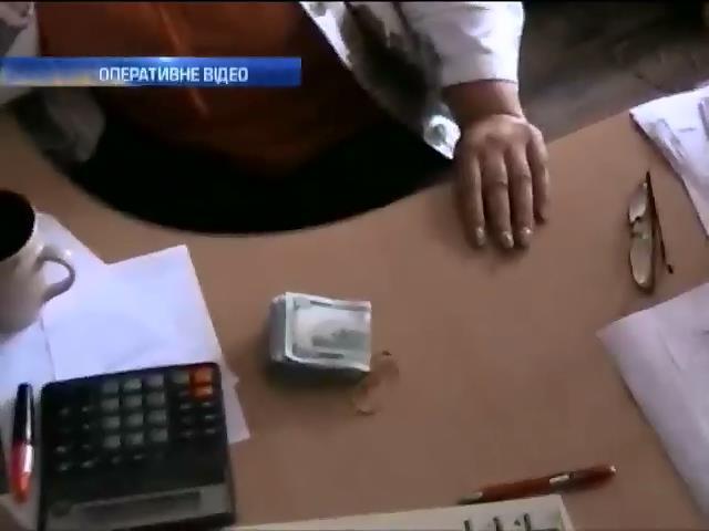 У Кривому Розi чиновники продали 70 з 90 дозволiв на маршрутнi перевезення (видео)