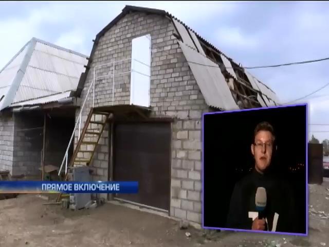 В Талаковке под Мариуполем отстраивают дома после обстрелов (видео) (видео)