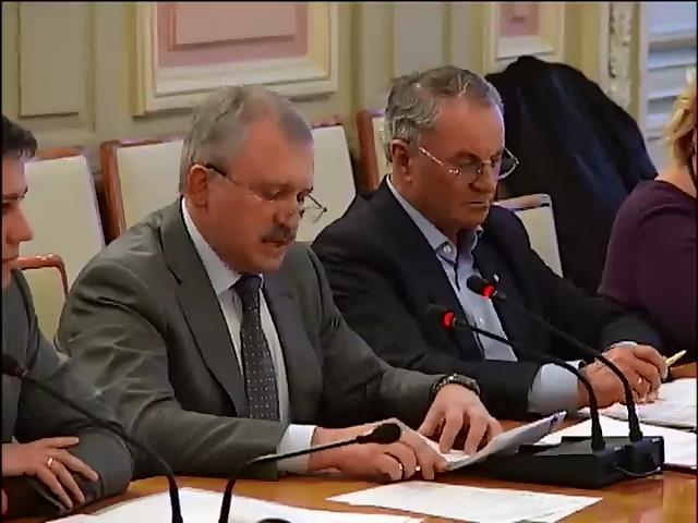 Андрiй Сенченко звинувачуe Мiноборони в неадекватних дiях пiд Iловайськом (видео)