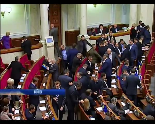 Депутати бояться фальсифiкацiй при перенесеннi виборчих округiв на Донбасi (вiдео) (видео)