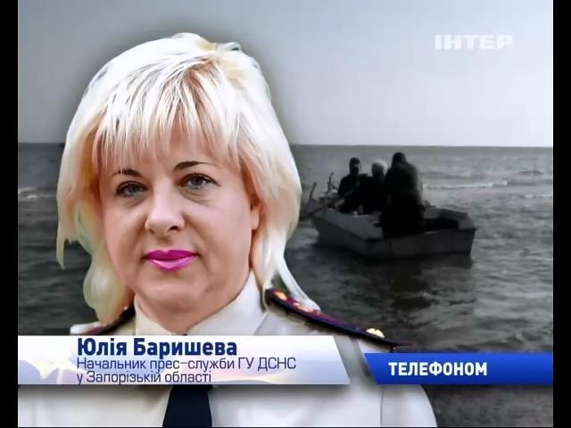 Пошуку рибалок на Азовському морi заважаe шторм (видео)