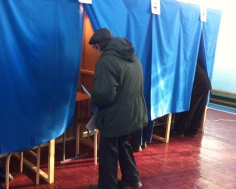 В Украине началось голосование на внеочередных выборах Рады
