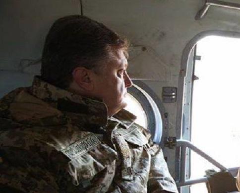 Президент Петр Порошенко улетел контролировать  голосование на Донбассе (фото)